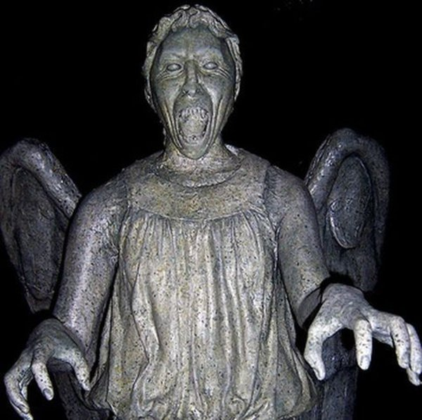 "Don't Blink ""The Weeping Angels"" 