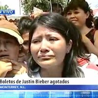 Niñas lloran por no tener boleto para Justin Bieber/El dinero de los boletos era para mis XV años