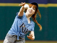 Carly Rae Jepsen's Terrible First Pitch