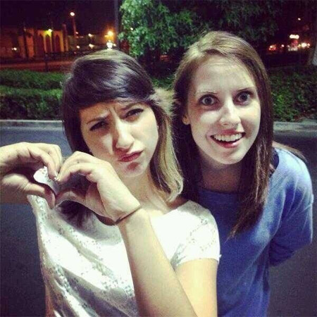 Overly Attached Girlfriend Meets Boxxy