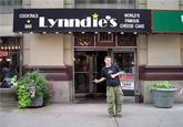 Lynndie England Pose