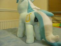 Lyra Plushie