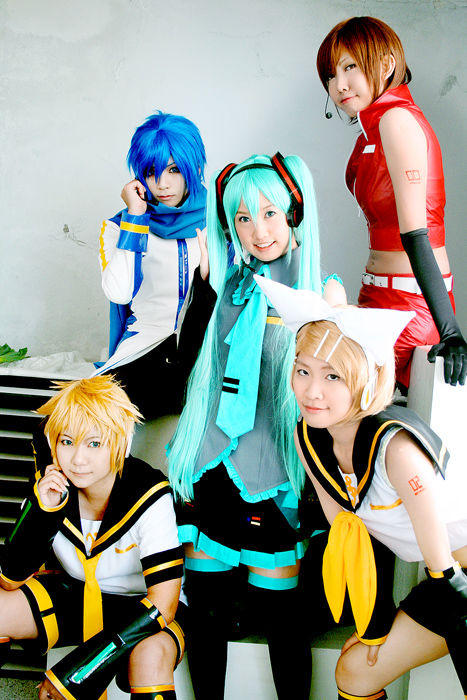 Vocaloid_Cosplay_by_yuegene.jpg