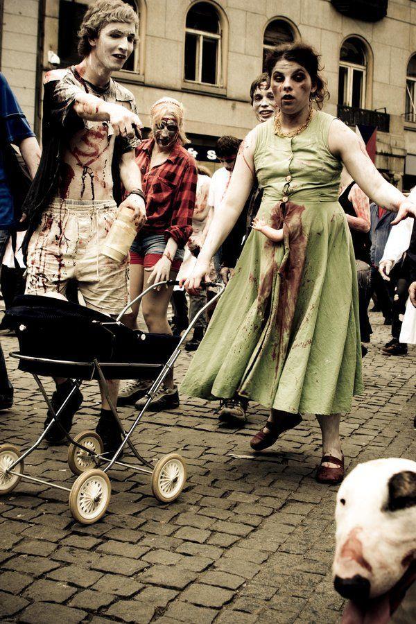 zombie_walk_7_by_confessor1.jpg