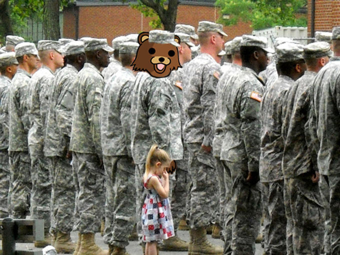 Pedobear_goes_to_War.jpg
