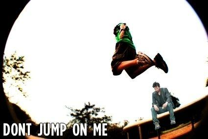 dont-jump-on-me-24375-1282264725-1.jpg
