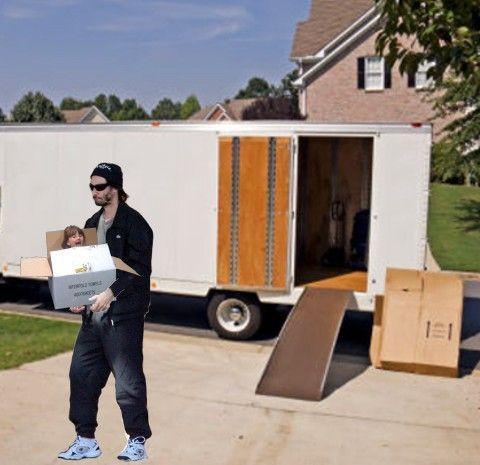 moving-truck_girll_in_box.jpg