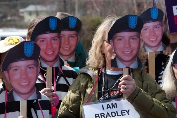 bradleymanningprotest.JPG