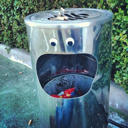 http://eyebombers.com/post/18940013026/trashbomber-by-felasquez-naples-italy