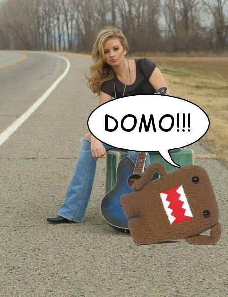 Domo-kun and Ashlyn Are Posing on the Street with her Guitar!!!