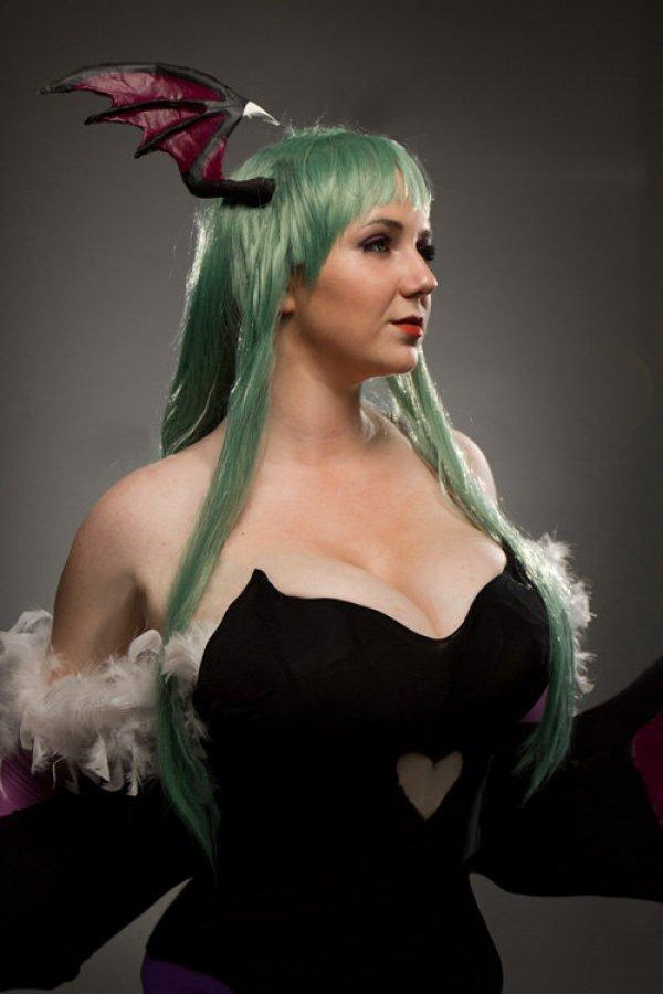 Darkstalkers' Morrigan Cosplay