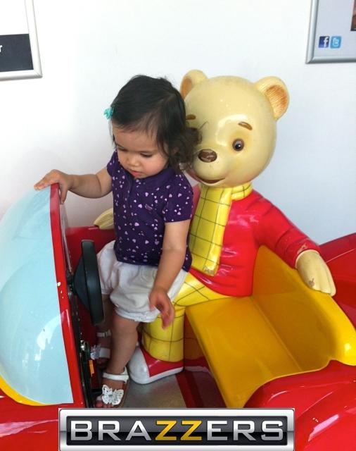 """Winnie The Poohedobear - He is after more than just """"Honey""""!"""