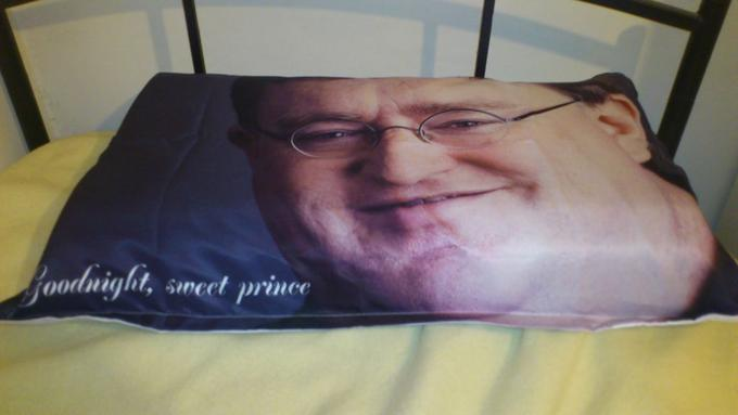 Gaben Pillow