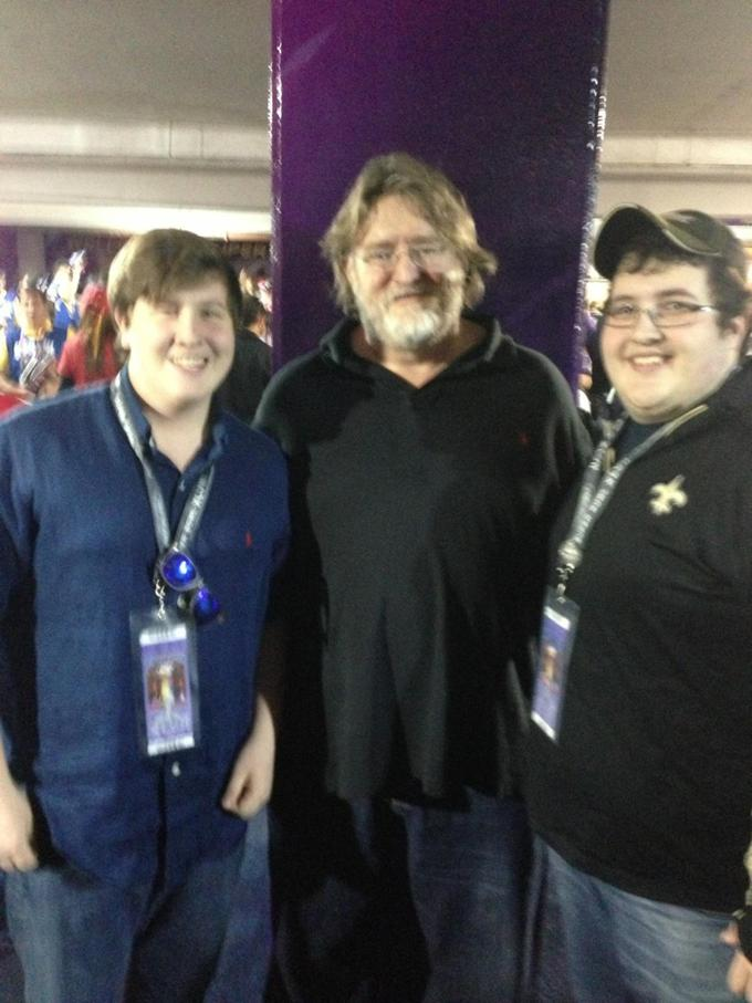Gabe Newell at the Superbowl