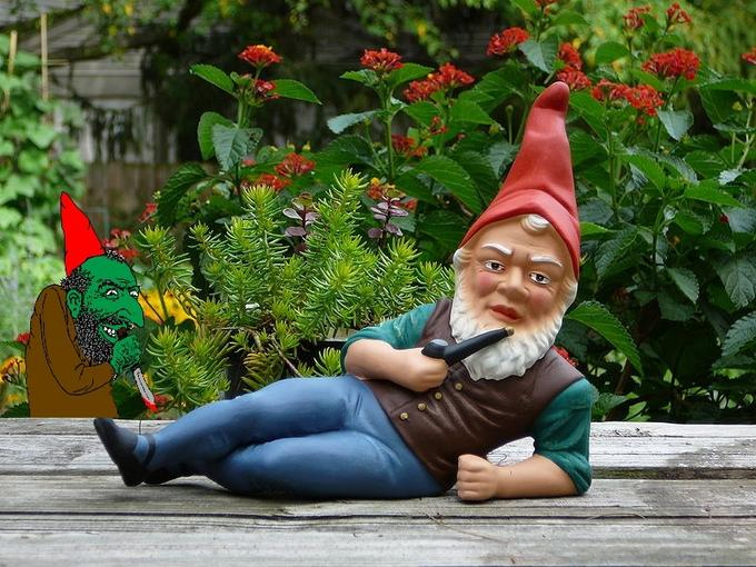 Gnome and Scheming Gnome